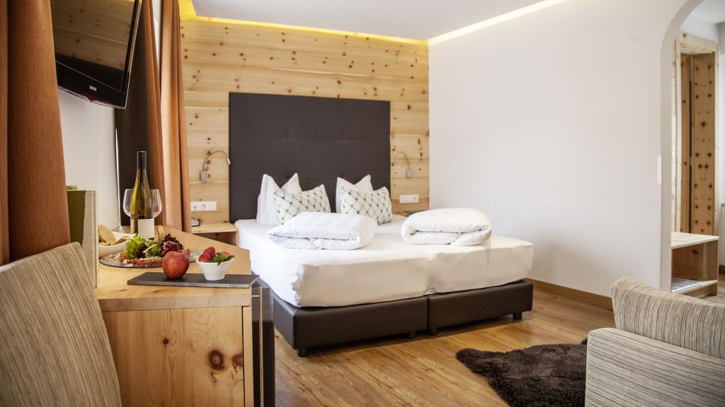 Gasthof zum goldenen Loewen Nauders Doppelzimmer Komfort - Gasthof_zum_goldenen_Loewen-Nauders-Doppelzimmer_Komfort-2-433759.jpg