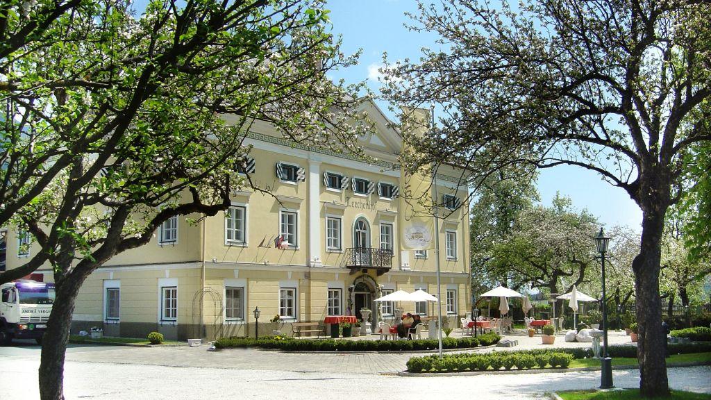 Hotel Schloss Lerchenhof Untermoeschach Hermagor Pressegger See Exterior view - Hotel_Schloss_Lerchenhof-Untermoeschach_Hermagor-Pressegger_See-Exterior_view-6-435153.jpg