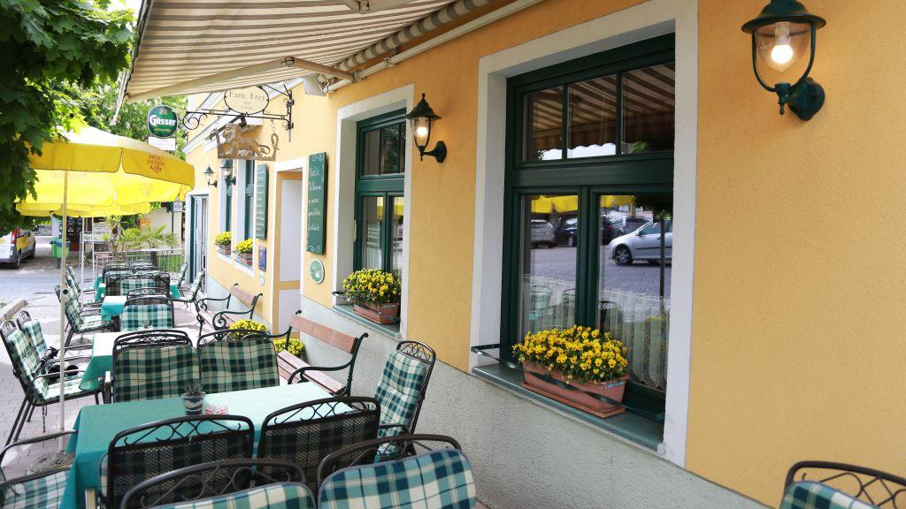 Zum Goldenen Loewen Maria Taferl Hotel outdoor area - Zum_Goldenen_Loewen-Maria_Taferl-Hotel_outdoor_area-436023.jpg