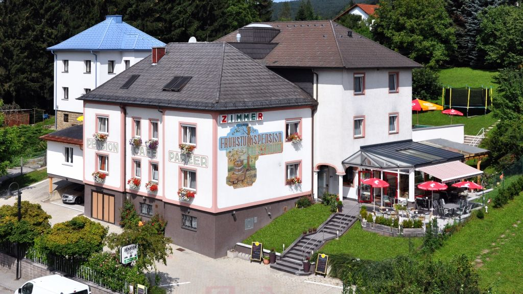 Cafe Pension Familie Parzer Pressbaum Aussenansicht - Cafe-Pension_Familie_Parzer-Pressbaum-Aussenansicht-6-436282.jpg