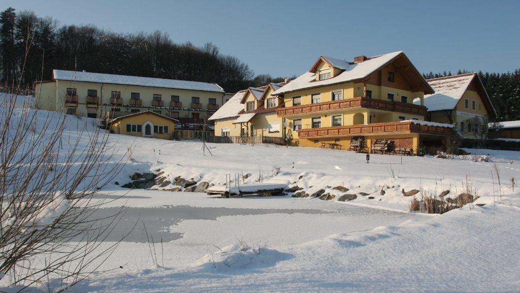 Brennerei und Wohlfuehlhotel Lagler Kukmirn Aussenansicht - Brennerei_und_Wohlfuehlhotel_Lagler-Kukmirn-Aussenansicht-3-436291.jpg