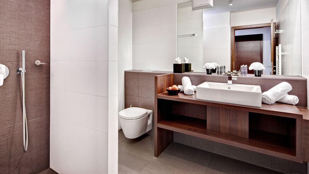 Alpen Karawanserai Time Design Hotel Saalbach Hinterglemm Hinterglemm Badezimmer - Alpen_Karawanserai_Time_Design_Hotel-Saalbach-Hinterglemm-Hinterglemm-Badezimmer-1-436723.jpg