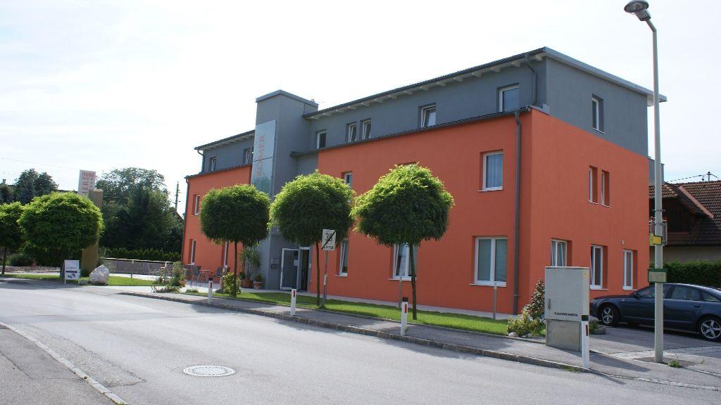 Pension Zum Roemer Enns Aussenansicht - Pension_Zum_Roemer-Enns-Aussenansicht-7-437359.jpg