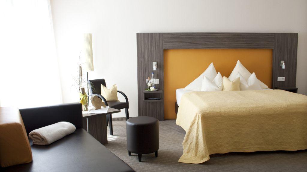 Hotel Pension Linner Erding Double room standard - Hotel_Pension_Linner-Erding-Double_room_standard-5-438048.jpg