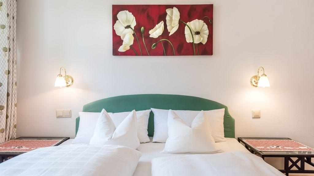 Brand Hotel Garni Bad Wiessee Business room - Brand_Hotel_Garni-Bad_Wiessee-Business_room-2-518154.jpg