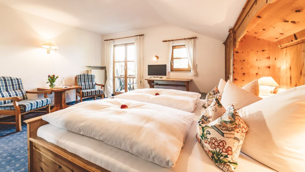 Brand Hotel Garni Bad Wiessee Double room standard - Brand_Hotel_Garni-Bad_Wiessee-Double_room_standard-3-518154.jpg