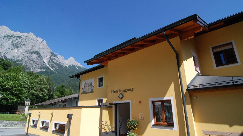 Werfenerhof Werfen Hotel outdoor area - Werfenerhof-Werfen-Hotel_outdoor_area-518189.jpg