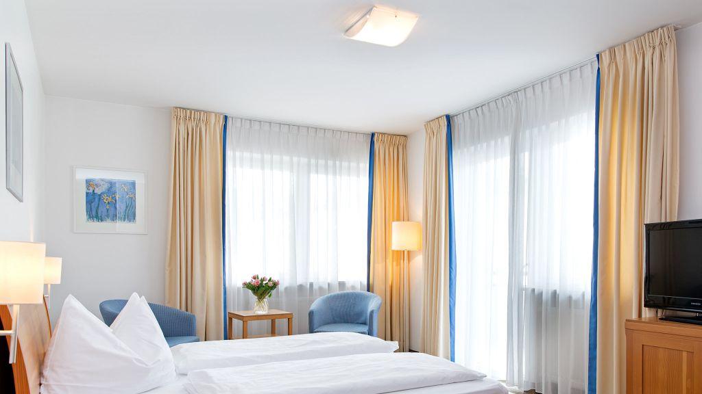 Blitzburg Bruneck Zimmer mit Balkon - Blitzburg-Bruneck-Zimmer_mit_Balkon-5-535544.jpg