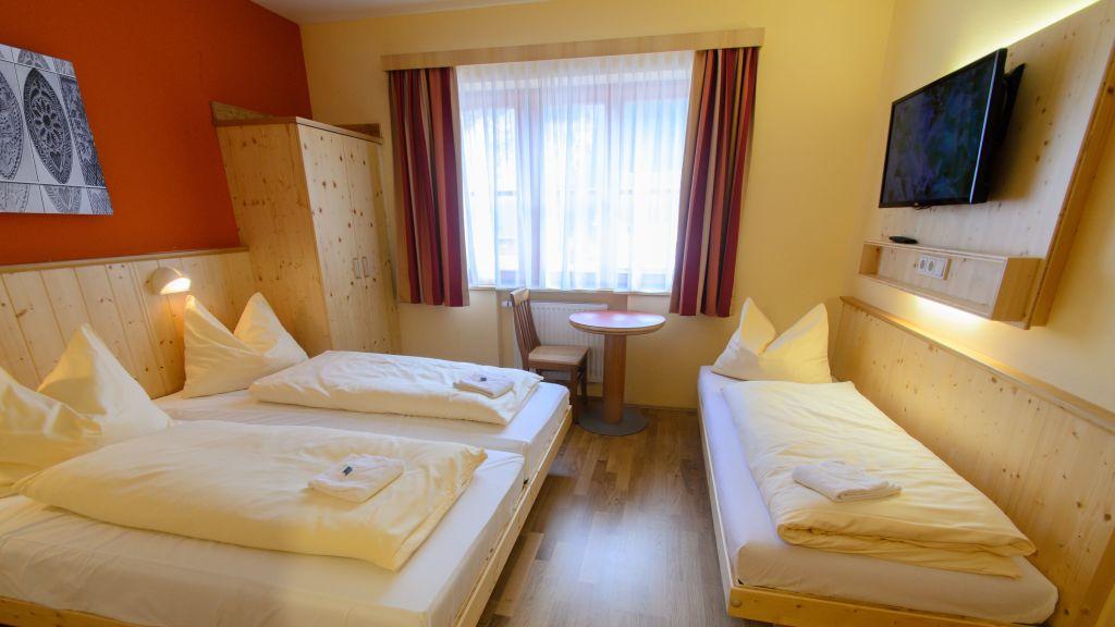 JUFA Hotel Donnersbachwald Almerlebnis Donnersbachwald Familienzimmer - JUFA_Hotel_Donnersbachwald_-_Almerlebnis-Donnersbachwald-Familienzimmer-537252.jpg