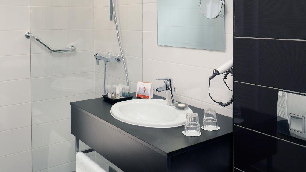 Safestay Vienna Vienna Bathroom - Safestay_Vienna-Vienna-Bathroom-1-552769.jpg
