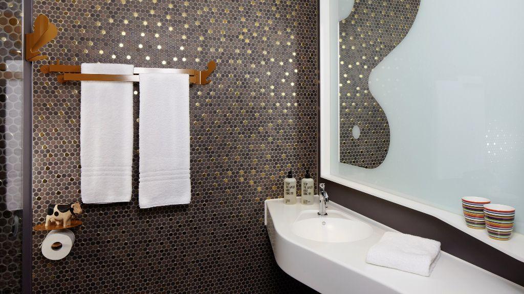 hours Zuerich West Zurich Bathroom - 25hours_Zuerich_West-Zurich-Bathroom-1-553990.jpg