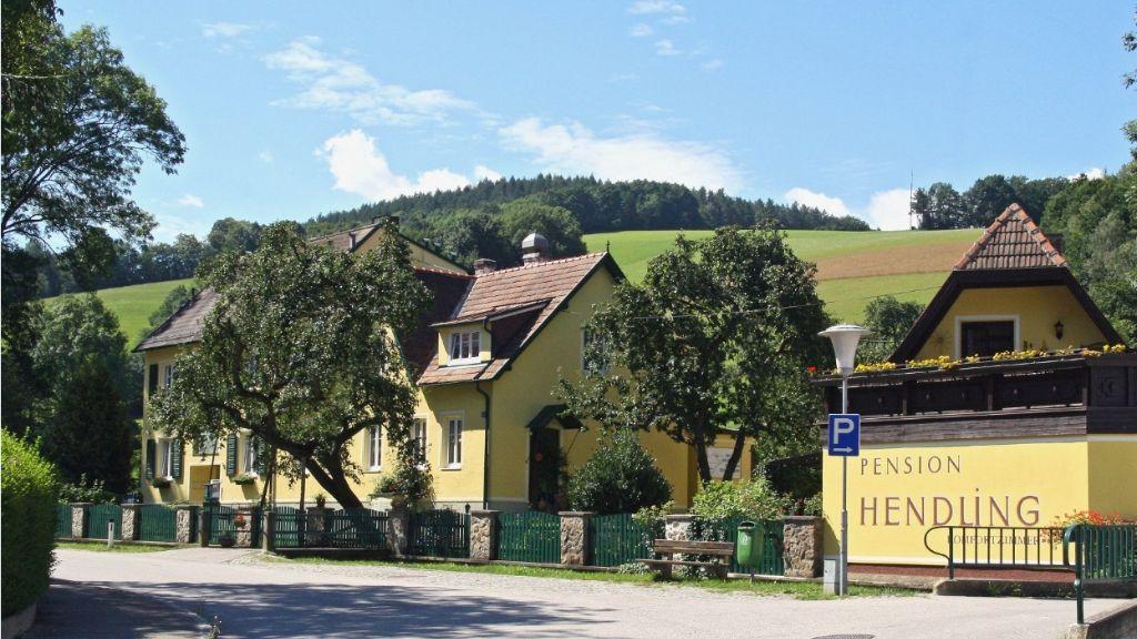 Hendling Pension Walpersbach Klingfurth Aussenansicht - Hendling_Pension-Walpersbach-Klingfurth-Aussenansicht-3-556580.jpg