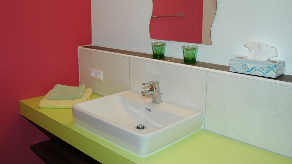 Gasthof Dorfwirt Woehrer Aigen im Ennstal Bathroom - Gasthof_Dorfwirt_Woehrer-Aigen_im_Ennstal-Bathroom-565019.jpg