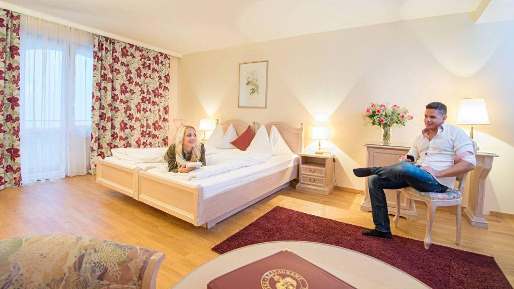 Hotel Restaurant Haeupl Seewalchen am Attersee Zimmer mit Seeblick - Hotel_Restaurant_Haeupl-Seewalchen_am_Attersee-Zimmer_mit_Seeblick-651758.jpg