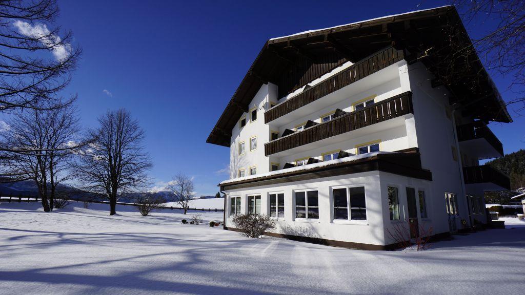 Doris Musills Lebensfreude Hotel Bad Mitterndorf Exterior view - Doris_Musills_Lebensfreude_Hotel-Bad_Mitterndorf-Exterior_view-691998.jpg