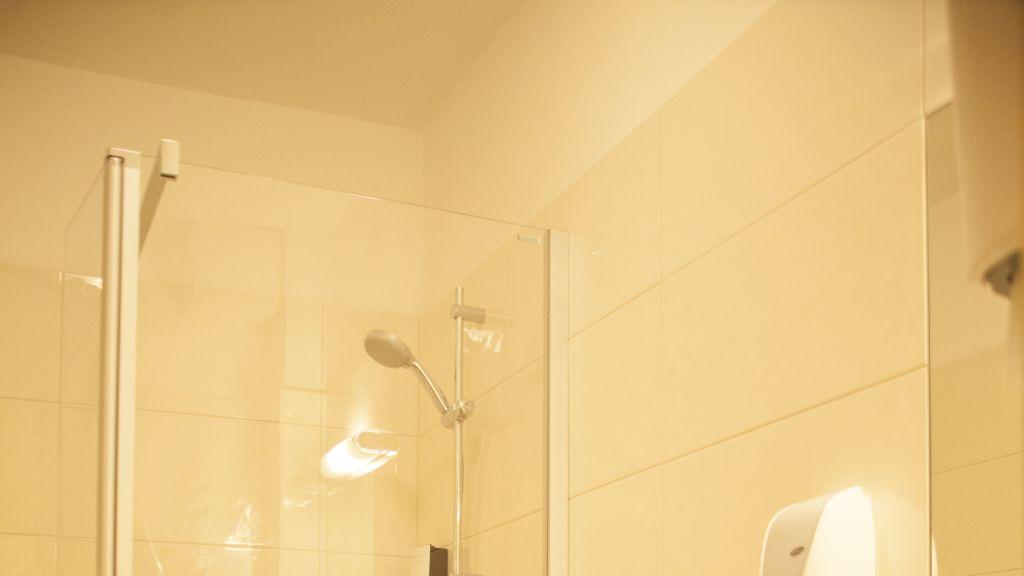 Doris Musills Lebensfreude Hotel Bad Mitterndorf Bathroom - Doris_Musills_Lebensfreude_Hotel-Bad_Mitterndorf-Bathroom-691998.jpg