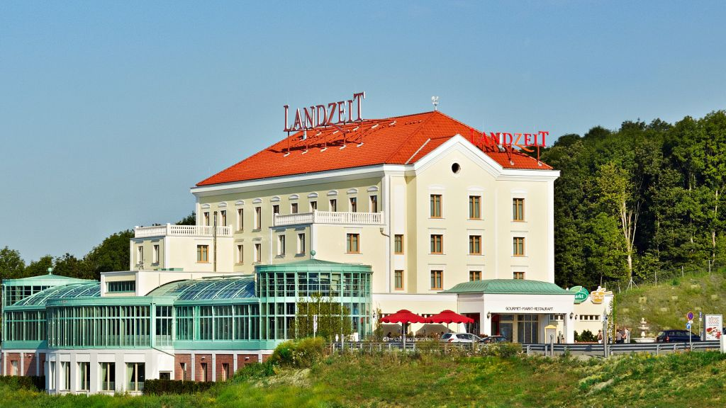 Landzeit Autobahn Restaurant Motor Hotel Steinhaeusl Altlengbach Hotel outdoor area - Landzeit_Autobahn-Restaurant_Motor-Hotel_Steinhaeusl-Altlengbach-Hotel_outdoor_area-693192.jpg