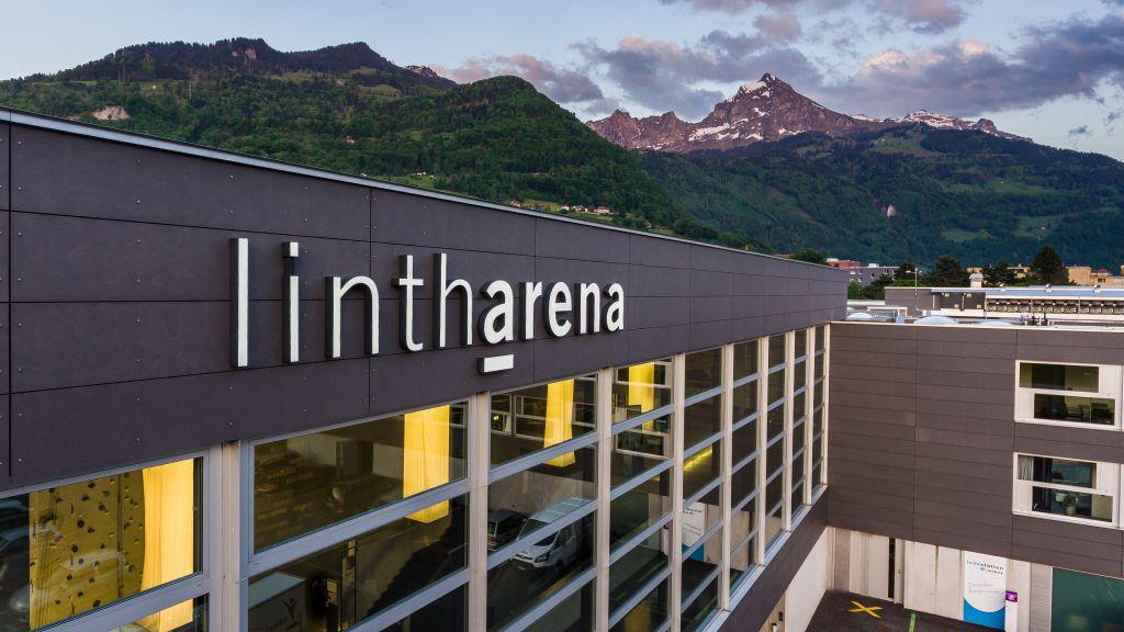 linth arena sgu Naefels Glarus Nord Exterior view - linth-arena_sgu-Naefels_Glarus_Nord-Exterior_view-701593.jpg