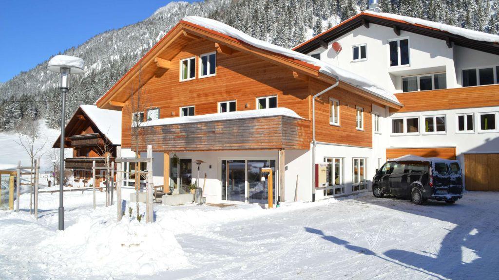 Bergsteiger Hotel Gruener Hut Bad Hindelang Aussenansicht - Bergsteiger-_Hotel_Gruener_Hut-Bad_Hindelang-Aussenansicht-1-772574.jpg