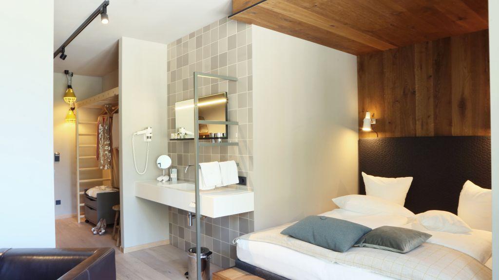 Walliserhof Brand 4 Sterne Hotel Tiscover