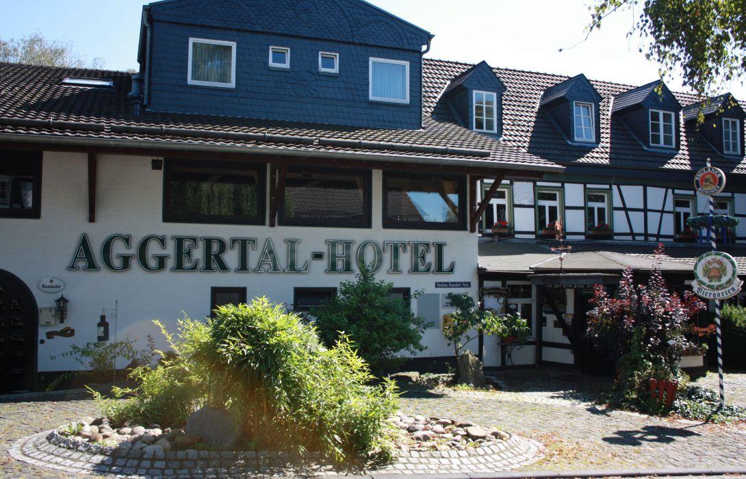 Aggertal Hotel Zur Alten Linde Lohmar Great Prices At Hotel Info