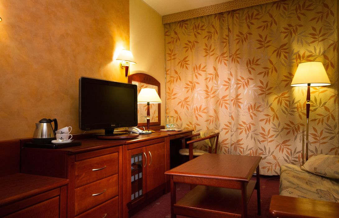 Hotel Hp Park Plaza Wroclaw Great Prices At Hotel Info