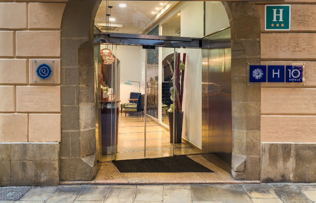 Hotel H10 Racó del Pi - Barcelona – Great prices at HOTEL