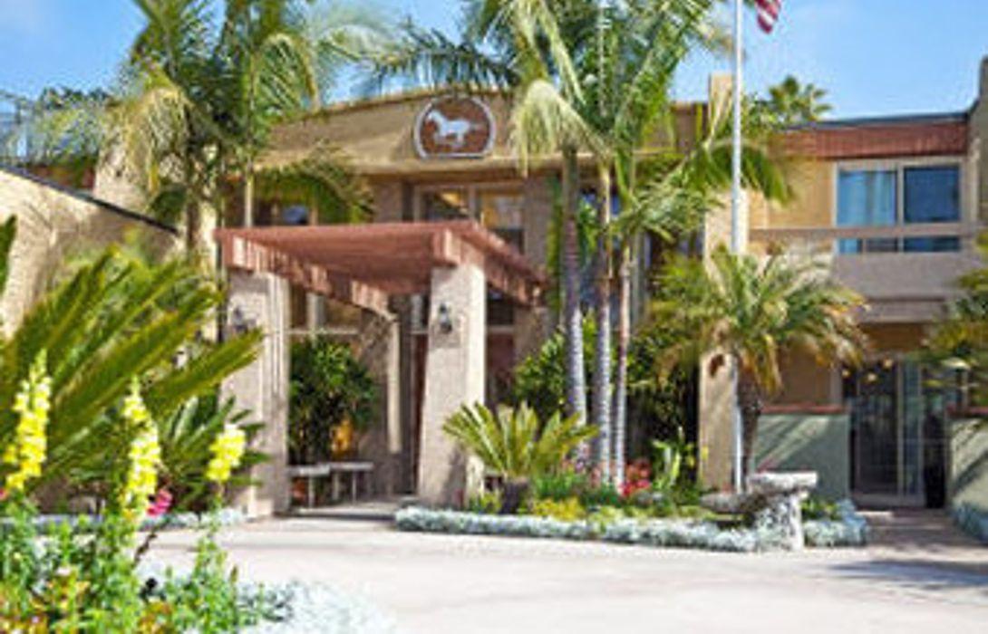 Winners Circle Resort In Solana Beach