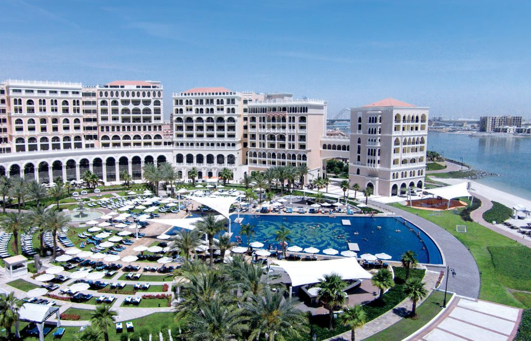 Hotel The Ritz-Carlton Abu Dhabi Grand Canal – Great prices