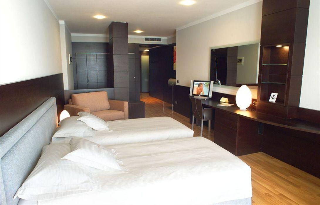 Hotel Bel Sit in Meina – HOTEL DE