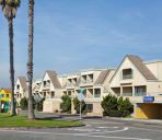 Außenansicht Travelodge by Wyndham Sunset-Huntington Beach Ocean Front