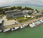 Außenansicht Hotel Yacht Wellness & Business**** ****