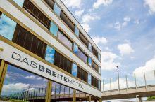 DASBREITEHOTEL am Rhein Basel
