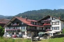 Der Bergbauernwirt im Landhaus Bolgental Bergdorf Bolsterlang