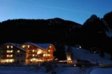 Lupo Bianco Wellness & Walking Hotel Canazei