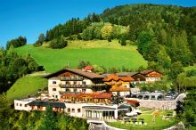 Gut Berg Naturhotel St. Johann - Alpendorf