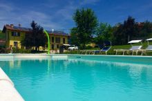 The Green Guesthouse Your best accommodation near Barolo Serralunga d'Alba