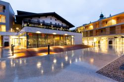 Hotel Wirtshaus Post Sankt Johann in Tirol Aussenansicht - Hotel_Wirtshaus_Post-Sankt_Johann_in_Tirol-Aussenansicht-432372.jpg