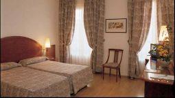 Camere Familiari Barcellona : Hotel rialto hotel a hrs stelle a barcellona
