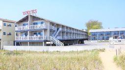 Exterior View Waves Oceanfront Resort