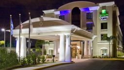 Holiday Inn Express & Suites TAMPA -USF-BUSCH GARDENS - Tampa (Floryda)
