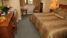 Derougemont Manor Hotel & Suites - Brentwood