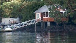 Hotel Boathouse B&B and Vacation Rental - North Saanich