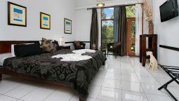 Hotel Daintree Wild Zoo & Bed and Breakfast - Wonga