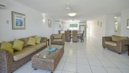 Hotel Roydon Beachfront Apartments - Trinity Beach