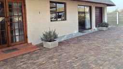 Hotel 12 On Vaal Drive B and B - Vanderbijlpark
