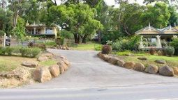 Hotel 3 Kings Bed and Breakfast - Yarra Junction