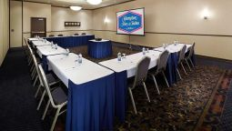 Room Hampton Inn - Suites by Hilton Montreal-Dorval