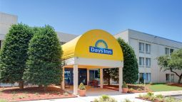 Buitenaanzicht DAYS INN NEWPORT NEWS CITY CTR