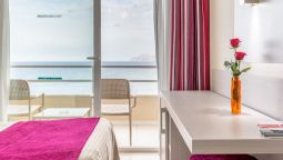 Room with a sea view Ferrer Concord
